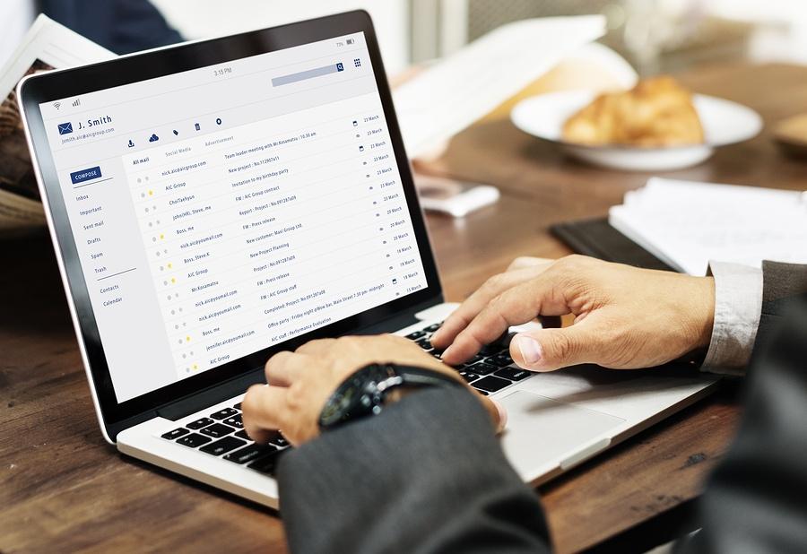 bigstock-Email-inbox-message-list-onlin-179731186